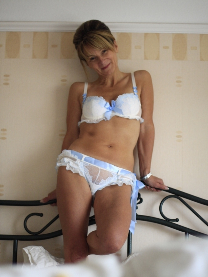Sex personals reading berkshire Newbury Berkshire sex personals, Newbury Berkshire adult sex dating, Newbury Berkshire sex chat