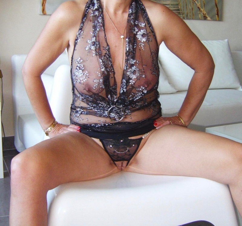 Hertfordshire swingers contacts